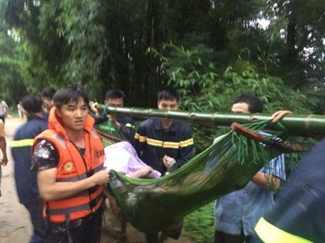 Thanh Hoa: Hai nguoi tu vong sau mua bao - Anh 2