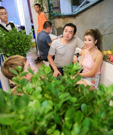 Tuong luon ne tranh chup anh chung, ai ngo Duong Khac Linh - Trang Phap lai tuoi cuoi tro chuyen cung nhau tai su kien - Anh 1