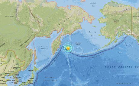 Dong dat manh 7.8 do Richter o Nga, canh bao song than - Anh 1