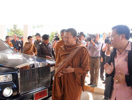 Hinh anh nha su an choi khet tieng nhat hanh tinh sap bi dan do ve Thai Lan tu My - Anh 8