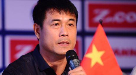 HLV Huu Thang: 'Chung toi ton trong moi doi thu' - Anh 1