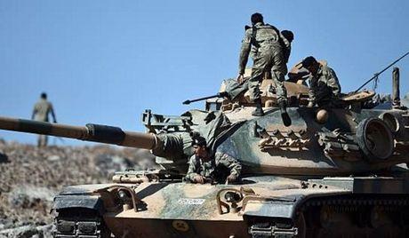 Nguoi Kurd va phien quan than TNK dau phao du doi o Bac Syria - Anh 1