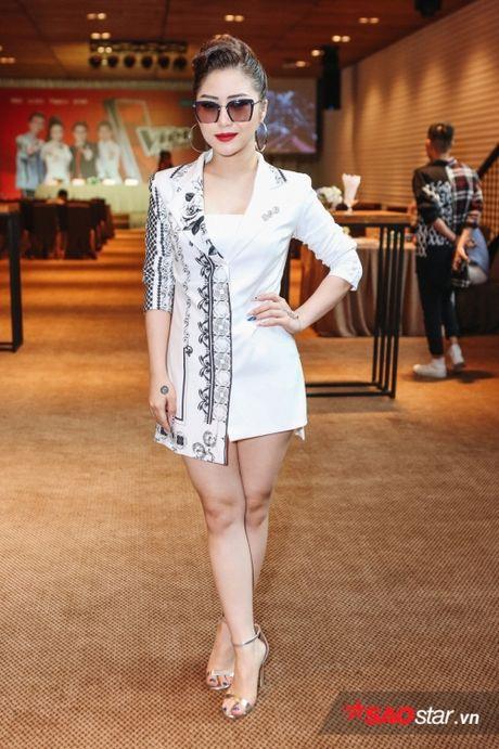 Vay ao 'sang chanh', Huong Tram khoe sac giua dan 'soai ca' The Voice Kids - Anh 3