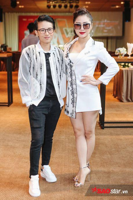 Vay ao 'sang chanh', Huong Tram khoe sac giua dan 'soai ca' The Voice Kids - Anh 8