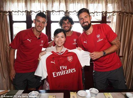 Sao Arsenal mua kung fu tai Trung Quoc - Anh 3