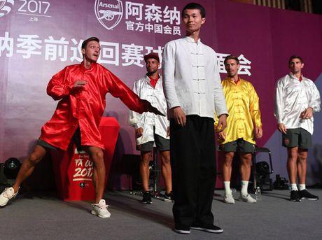 Sao Arsenal mua kung fu tai Trung Quoc - Anh 4