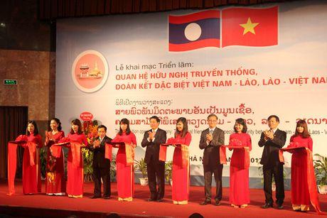 Trung bay gan 400 hinh anh, tai lieu quy ve quan he Viet - Lao tai Ha Noi - Anh 1