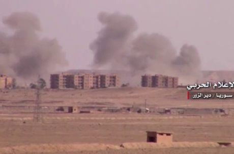 Trung tam chi huy cua IS sup do do trung hoa luc tu quan doi Syria - Anh 2