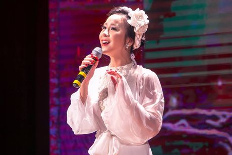 Hong Duyen 'pha' dan ca khien NSND Thu Hien phai bat ngo - Anh 3