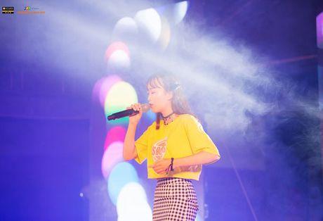 'Hot girl cover mang xa hoi' gianh ngoi Quan quan FPT University Talent mua dau tien - Anh 11