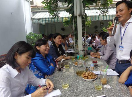 Ca phe sang 'nong' chuyen mo rong duong quanh san bay - Anh 1