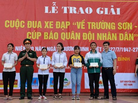 Anh em tay dua Le Van Duan, Le Nguyet Minh deu gianh giai o Chang 4 - Anh 9