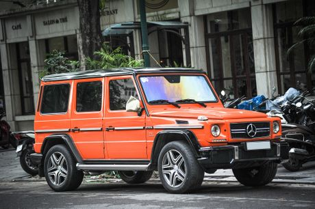Mercedes G63 AMG mau cam noi bat tren duong pho Ha Noi - Anh 1