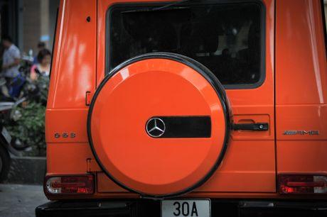 Mercedes G63 AMG mau cam noi bat tren duong pho Ha Noi - Anh 5
