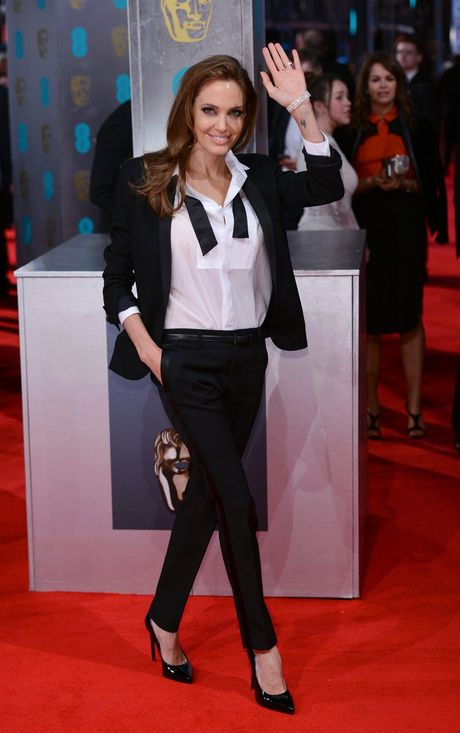 Thuong hieu thoi trang yeu thich cua Angelina Jolie - Anh 1
