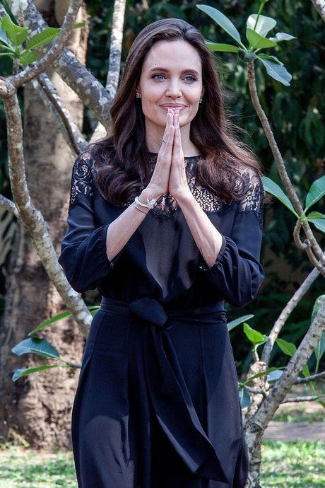 Thuong hieu thoi trang yeu thich cua Angelina Jolie - Anh 7