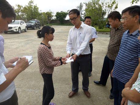 PTI tam ung boi thuong cho thuyen vien tau VTB 26 bi nan - Anh 1