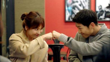 Gia dinh Song Joong ki da gap nha Song Hye Kyo de ban hon su? - Anh 1