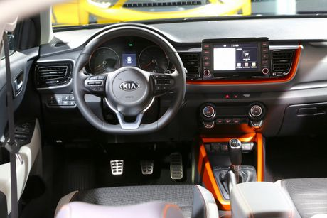 Hinh anh noi, ngoai that Kia Stonic - doi thu cua Hyundai Kona - Anh 9