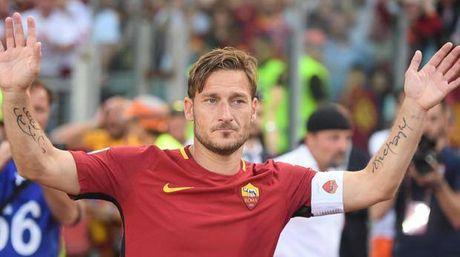 Francesco Totti giai nghe, duoc bo nhiem lam giam doc AS Roma - Anh 2