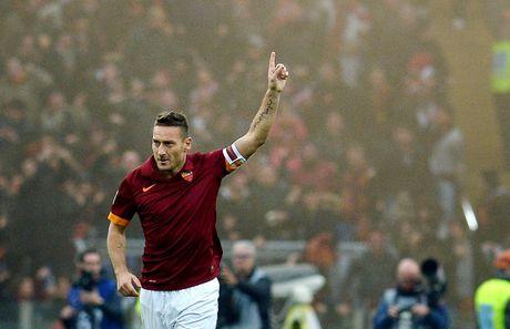 Francesco Totti giai nghe, duoc bo nhiem lam giam doc AS Roma - Anh 4