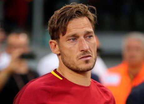 Francesco Totti giai nghe, duoc bo nhiem lam giam doc AS Roma - Anh 5
