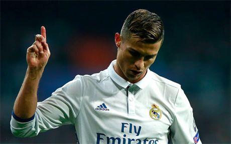 Ronaldo noi voi quan toa: 'Toi muon tro lai nuoc Anh' - Anh 1