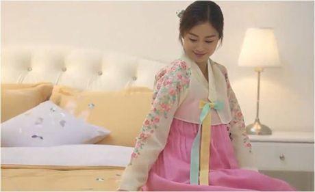 Lan dau mac ao dai, ba bau Kim Tae Hee xinh dep diu dang nhu phu nu Viet - Anh 8