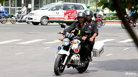 TP.HCM: Thieu nien lap nhom facebook, theo doi cong an de to chuc dua xe - Anh 1