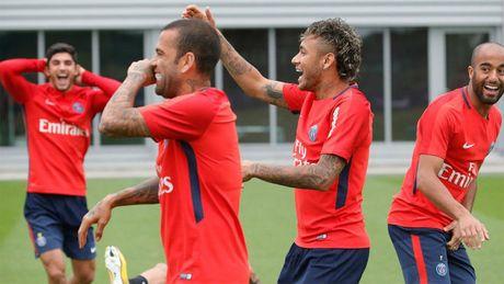 Vua sang PSG, Neymar 'boc phot' dong doi cu Barca lua doi - Anh 3
