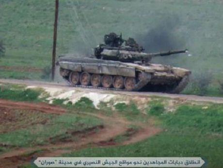 Tung sieu tang T-90 tham chien tai Syria, Nga loi doi duong, My va phuong Tay chung hung - Anh 11