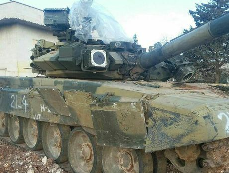 Tung sieu tang T-90 tham chien tai Syria, Nga loi doi duong, My va phuong Tay chung hung - Anh 12