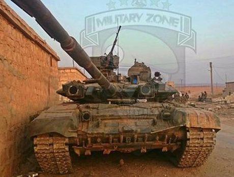 Tung sieu tang T-90 tham chien tai Syria, Nga loi doi duong, My va phuong Tay chung hung - Anh 13