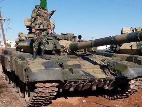 Tung sieu tang T-90 tham chien tai Syria, Nga loi doi duong, My va phuong Tay chung hung - Anh 4