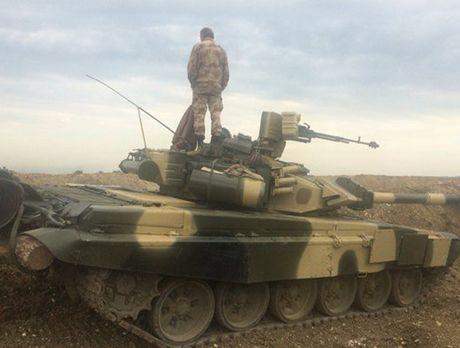 Tung sieu tang T-90 tham chien tai Syria, Nga loi doi duong, My va phuong Tay chung hung - Anh 6