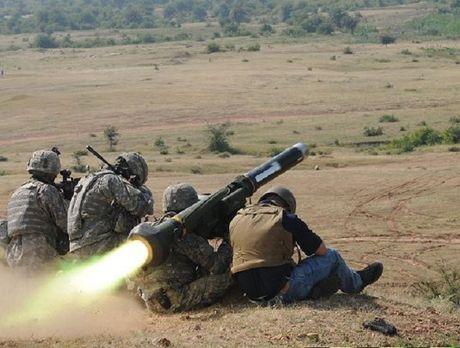 Lo dien 'sat thu chong tang' My se dung de doa Nga o Ukraine - Anh 2