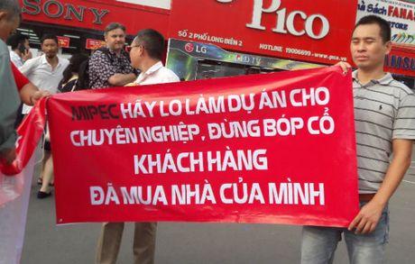 Ban nha dat len chung cu: Me con ly tan, ca tuan an banh my - Anh 2