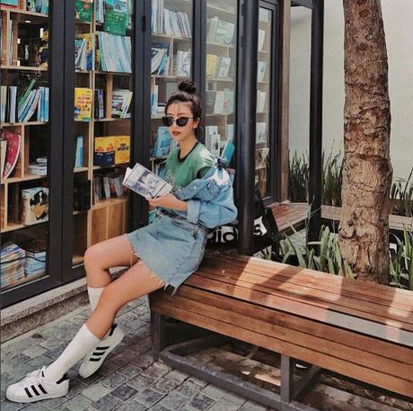 Fashion Icon Quynh Anh Shyn: chu BST cac items jeans do so va 1001 cach mix match 'than thanh' - Anh 15