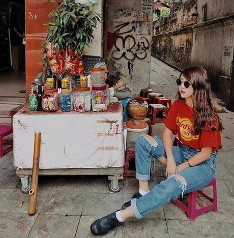 Fashion Icon Quynh Anh Shyn: chu BST cac items jeans do so va 1001 cach mix match 'than thanh' - Anh 1