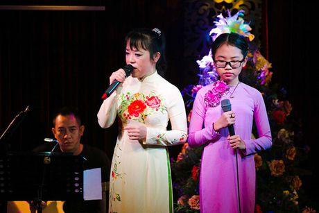 Mac chi trich, Khanh Ngoc van len tieng ung ho Phuong My Chi - Anh 3