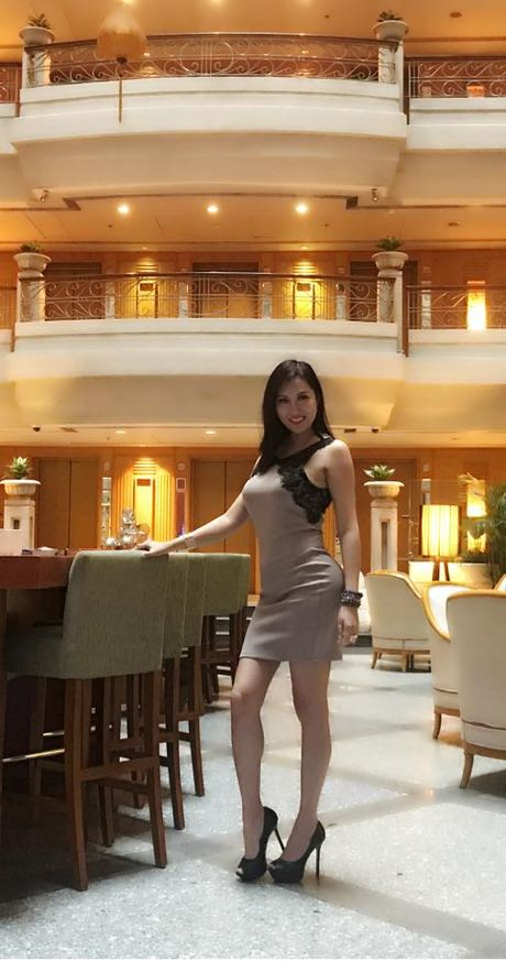 Mac chong cu tung anh cuoi vo 3, Phi Thanh Van van cu sexy the nay day! - Anh 4
