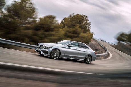 Mercedes-Benz gioi thieu GLA nang cap va C-Class moi - Anh 2