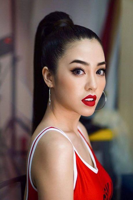 Nu sinh Hoc vien Hang khong Viet Nam chia se ly do thi Hoa hau Hoan vu - Anh 3