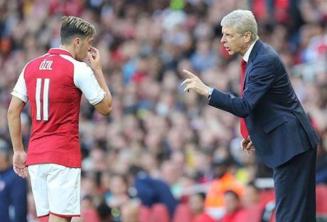 Arsene Wenger: 'Xin loi vi gio nay toi van con o day' - Anh 2