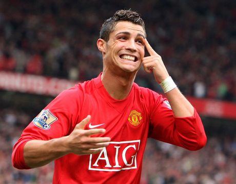 Ronaldo: 'Fan MU khong bao gio la o toi nhu fan Real' - Anh 9