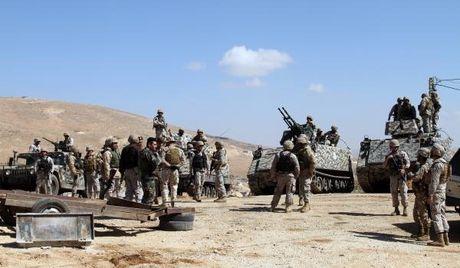 シリア軍の国境キャンペーンgietのMO BOフレーム肝臓はレバノンIS  - イングランド1