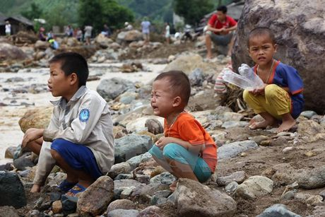 Them gan 2 ty dong ho tro nguoi dan vung lu Yen Bai, Dien Bien - Anh 2