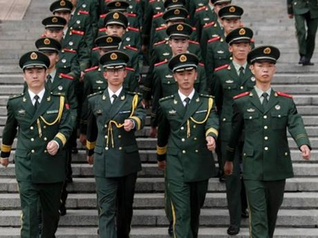 Quan doi Trung Quoc canh bao An Do phai rut khoi Doklam - Anh 1