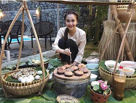 La Thanh Huyen khoe ky nghi sieu sang trong can phong tong thong - Anh 14