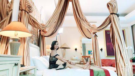 La Thanh Huyen khoe ky nghi sieu sang trong can phong tong thong - Anh 1